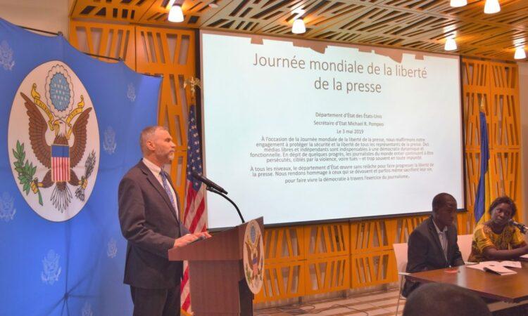 L'Ambassade des États-Unis célèbre la Journée mondiale de la liberté de la presse par une conférence pour journalistes et étudiants
