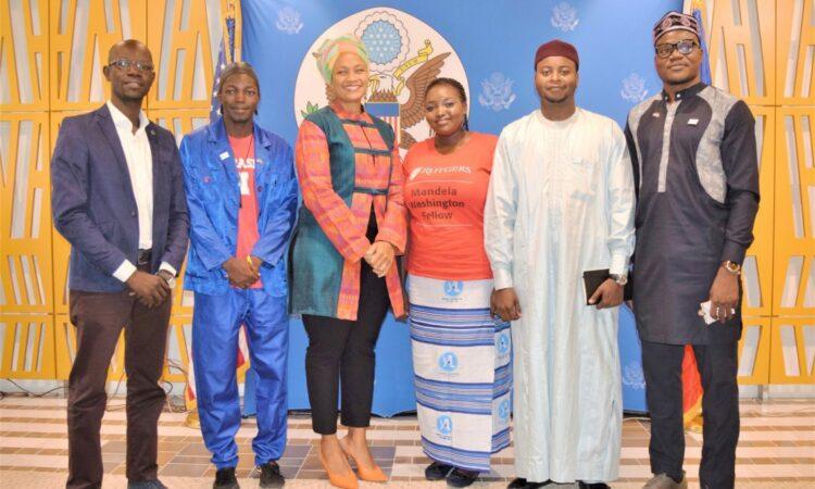 Les Boursiers Mandela Washington du Tchad face à la presse