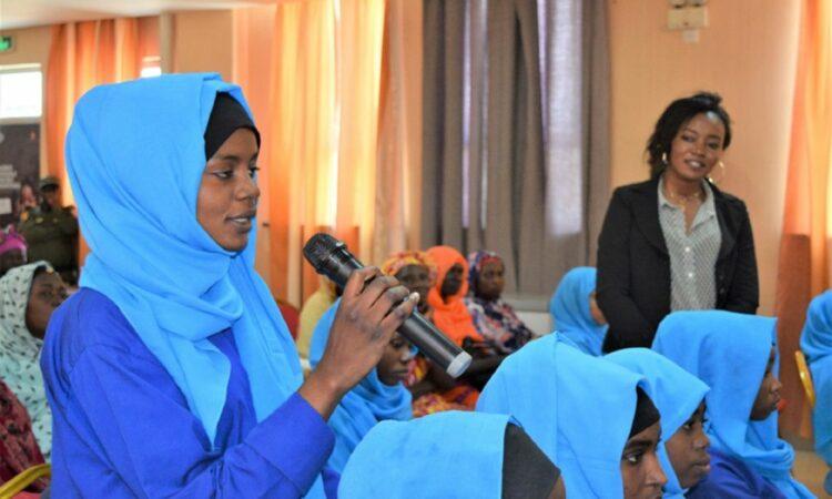 Des étudiantes en STEM débattent du rôle des femmes en Amérique et au Tchad