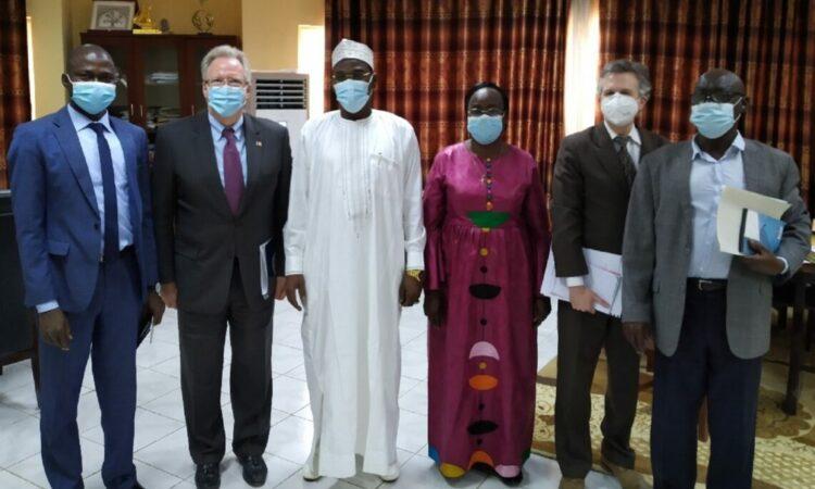 Le Chargé d'affaires a rencontré le Ministre de la Justice, Garde des Sceaux, chargé des Droits de l'Homme