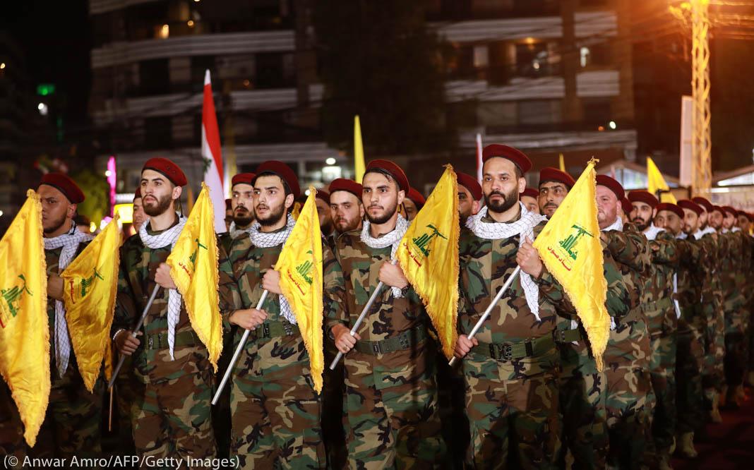 Mitglieder der Hisbollah bei einer Parade in einem Außenbezirk von Beirut im Mai 2019 (Foto: Anwar Amro/AFP/Getty Images)