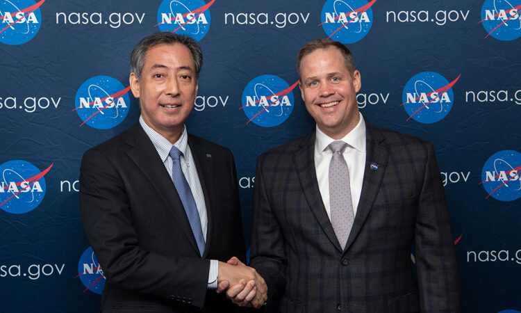 JAXA President Hiroshi Yamakawa, left, with NASA Administrator Jim Bridenstine in Colorado Springs, Colorado, on April 8. (Aubrey Gemignani/NASA)