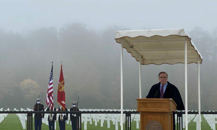 Ambassador Randy Evans speaks at the veteran's cemetery